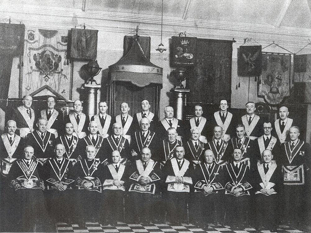 1946 group.jpg
